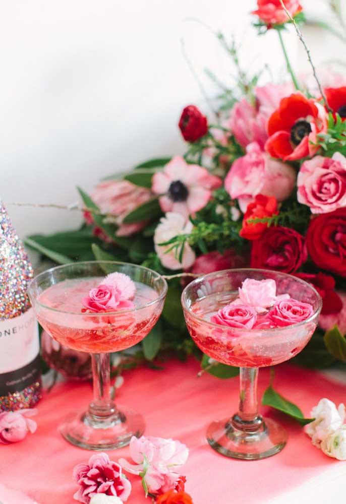 O dia dos namorados merece um brinde com champagne.