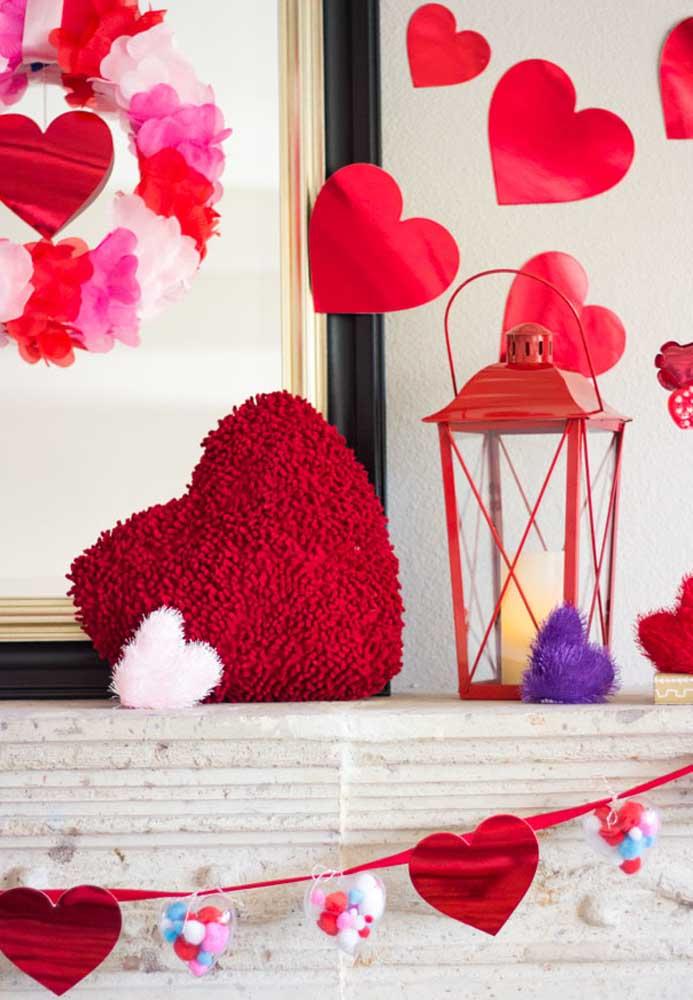 Não sabe o que fazer no dia dos namorados? Decore o ambiente com corações apaixonados.