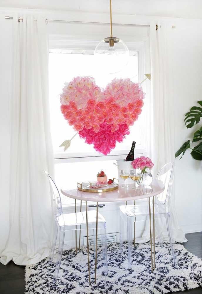 Prepare um painel com um coração de flores.