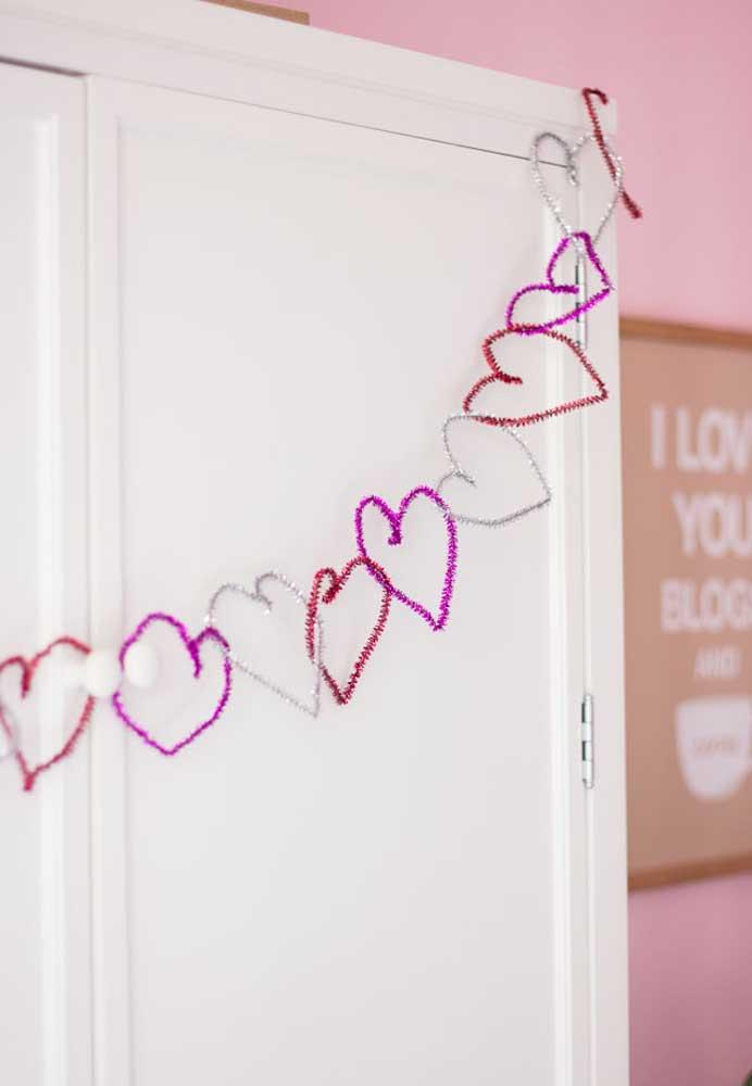 Coração é símbolo do amor. Portanto, use e abuse desse item na decoração.