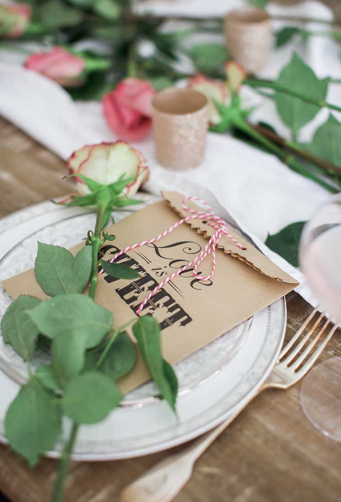 O que acha de colocar o presente dia dos namorados no prato do jantar?