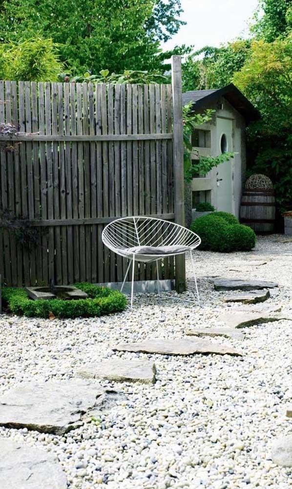 Pedras em formatos diferentes nesse jardim, cada uma com sua função