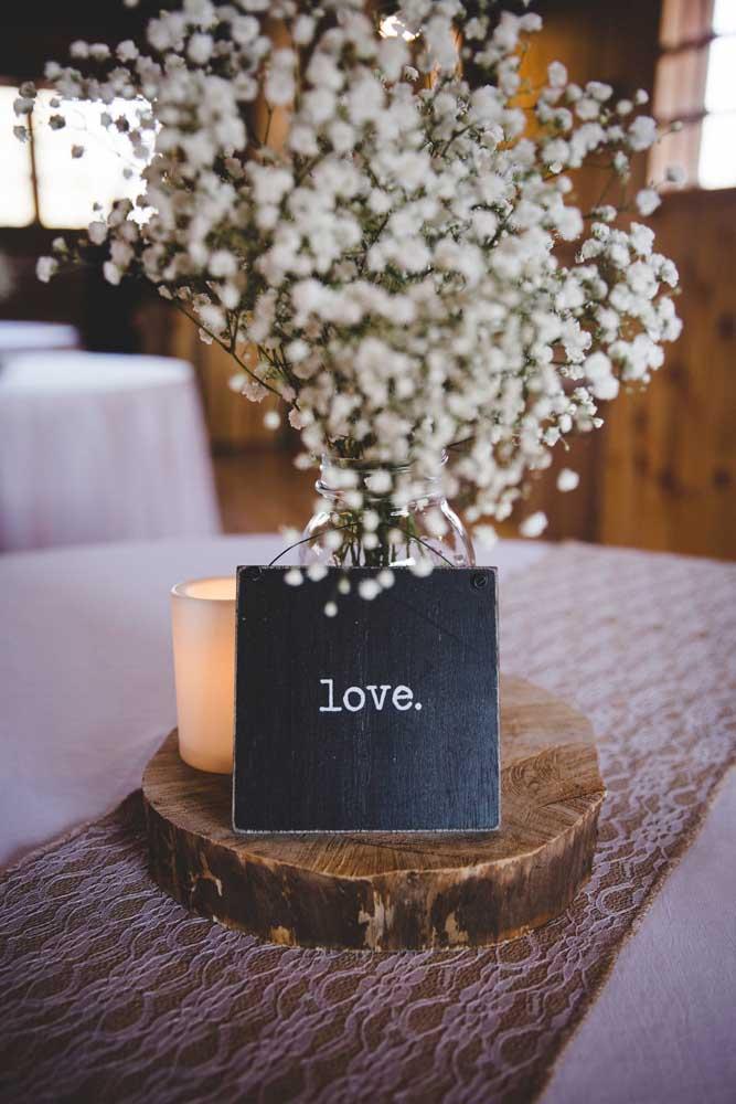 Centro de mesa simples, delicado e romântico