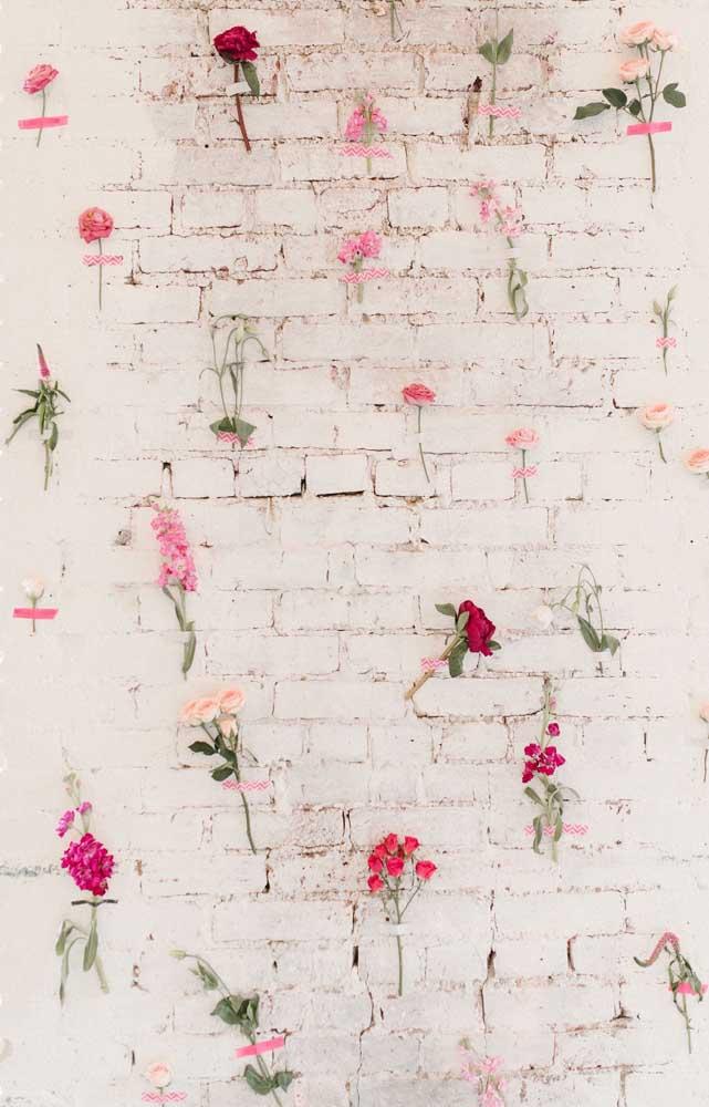 Outra ideia linda e simples para valorizar a decoração da festa de noivado simples
