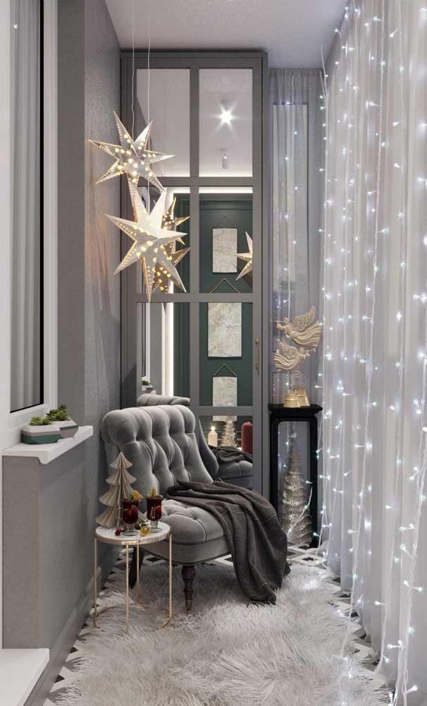 Decoração natalina na sacada de vidro