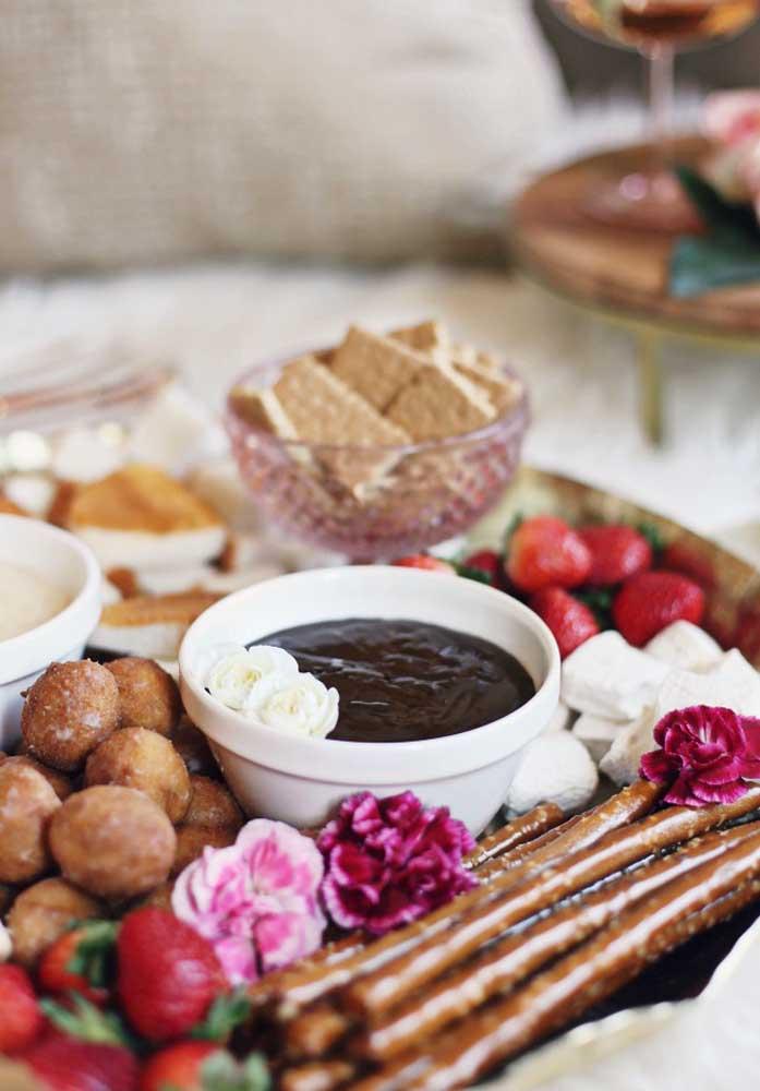 Acorde seu amor com um belo café da manhã preparado por você no dia dos namorados.