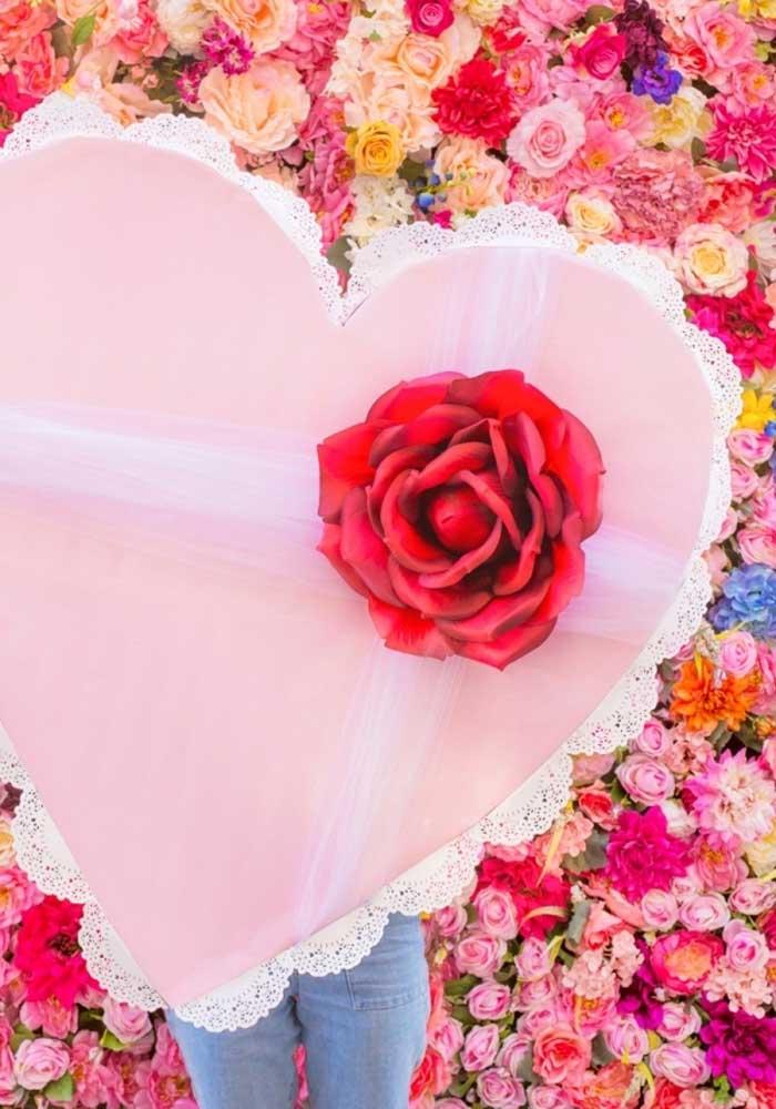Que tal fazer uma surpresa para namorada com um coração enorme como esse?
