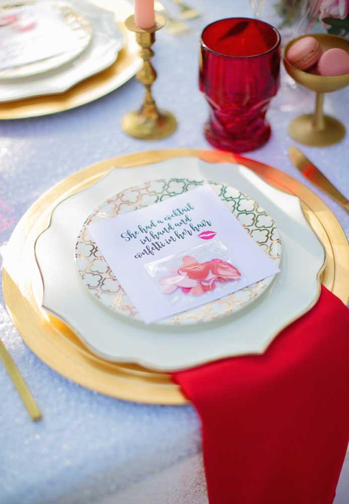 No jantar do dia dos namorados deixe um recadinho para a sua amada.
