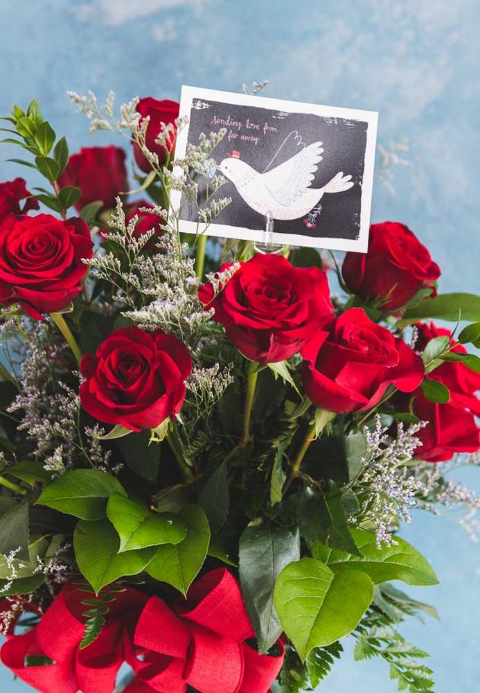 Qual a mulher que não ama receber um belo buquê de rosas vermelhas do homem da sua vida?
