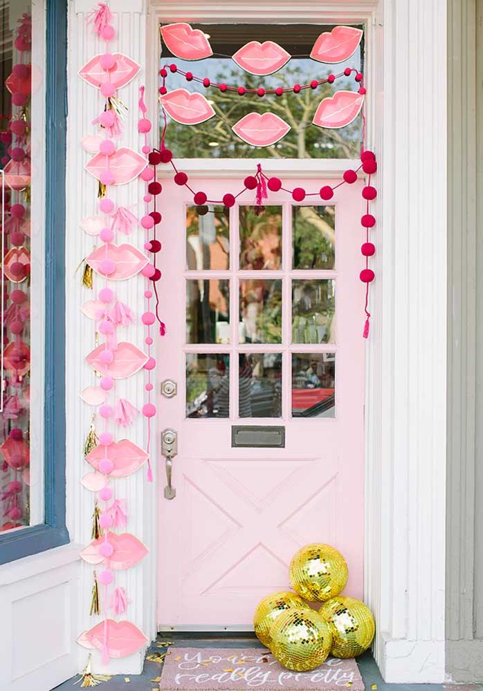 Que tal surpreender o seu amor logo na porta de entrada da casa?