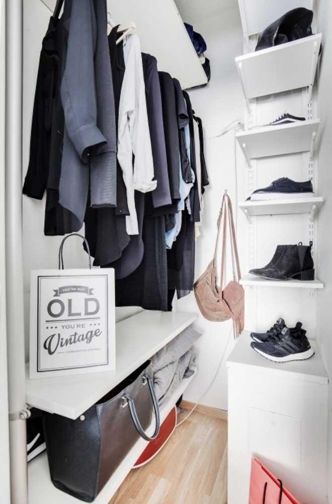 Com o armário cápsula você tem a oportunidade de deixar seu guarda-roupa mais organizado.