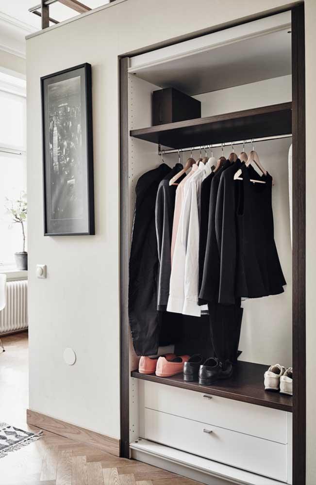 Quer uma dica? Mantenha os sapatos próximos das roupas que podem combinar com eles.