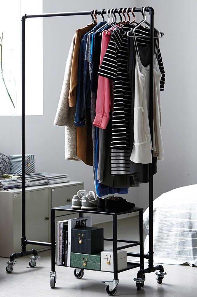 Olha como o armário cápsula cabe perfeitamente em qualquer espaço.