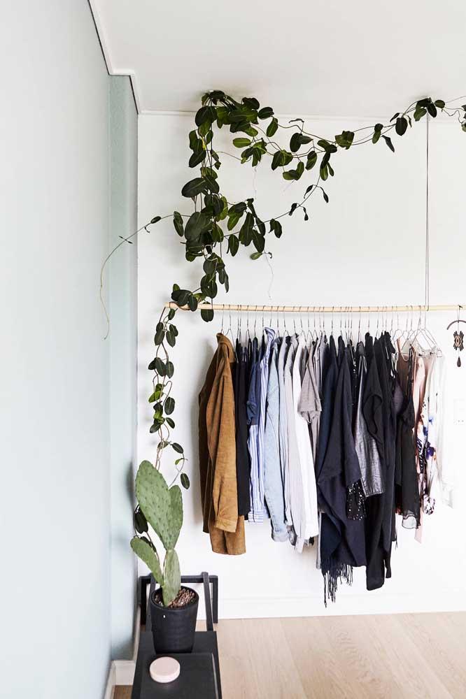 O ideal é manter todas as peças do armário cápsula em um mesmo espaço.