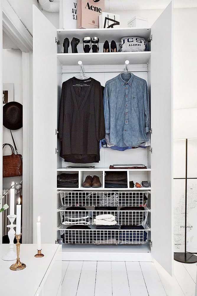 Com o armário cápsula você consegue manter o guarda-roupa sempre limpo e organizado.