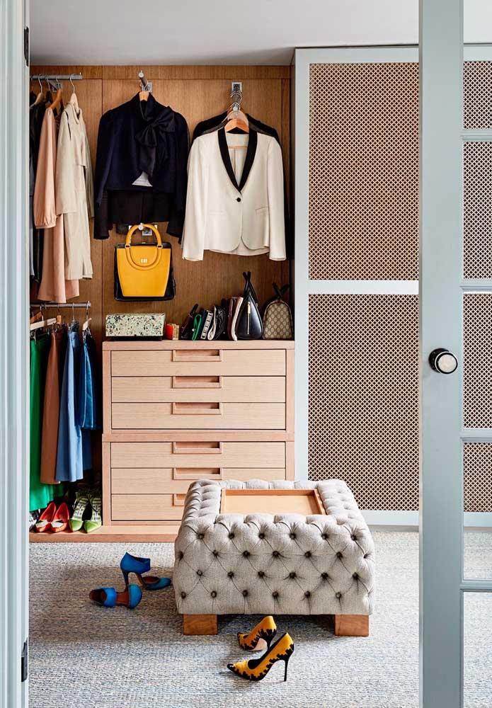 Dá para montar um belo armário com peças estilosas e sofisticadas.