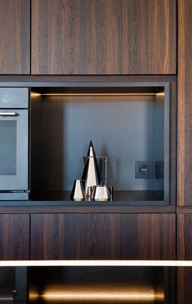 Se atente aos detalhes na hora de escolher o armário de cozinha planejado.