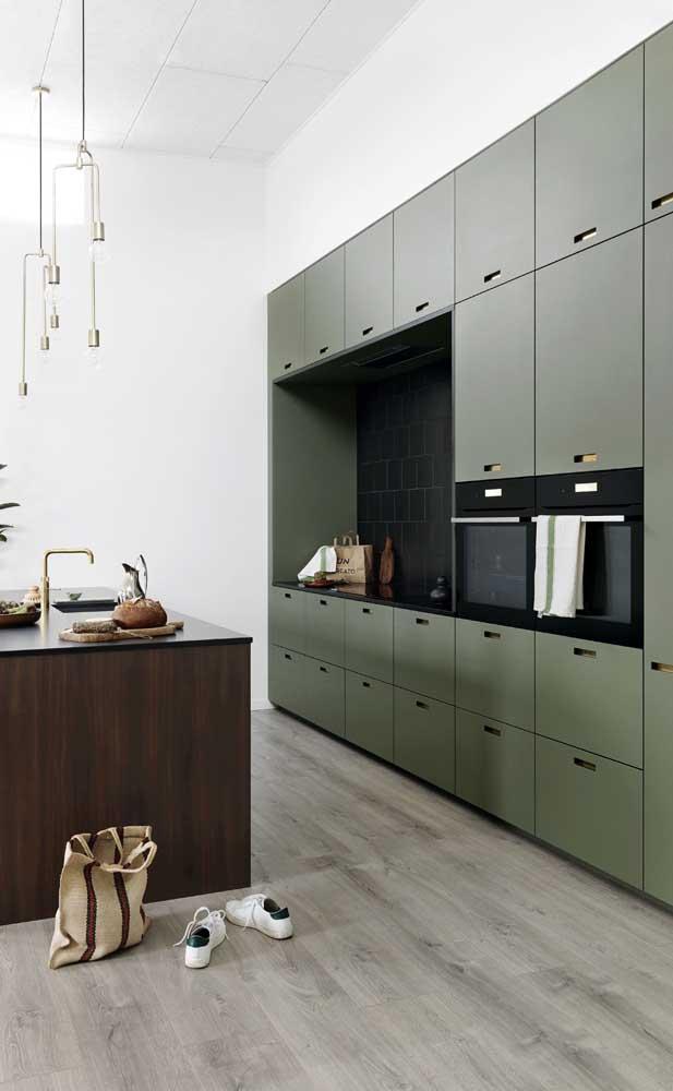 Escolha a cor do armário de cozinha planejado que combine com a decoração do ambiente.