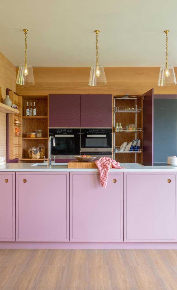 O armário de cozinha americana planejado é a forma mais prática para qualquer ambiente.