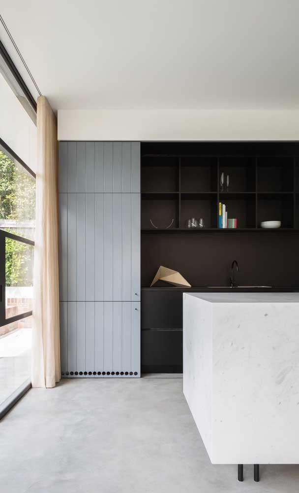 A porta de correr pode esconder a cozinha da sua casa.