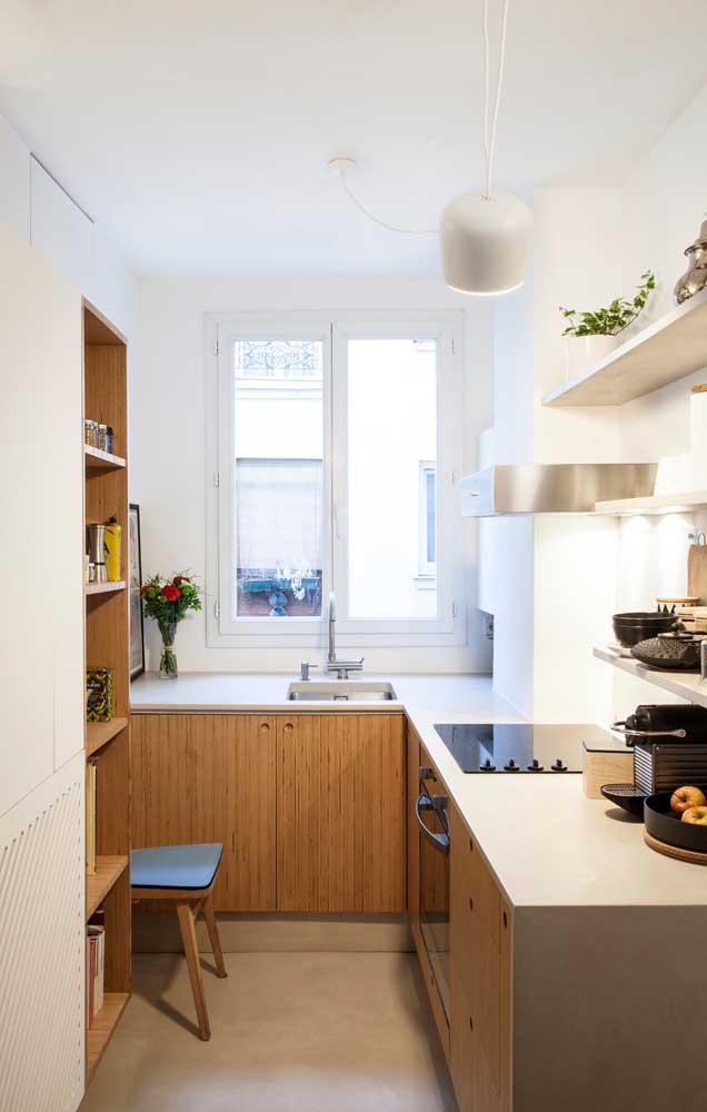 Otimize o espaço da cozinha com o armário planejado.