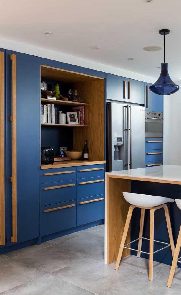 Você pode escolher armário de cozinha planejado na cor da sua preferência.