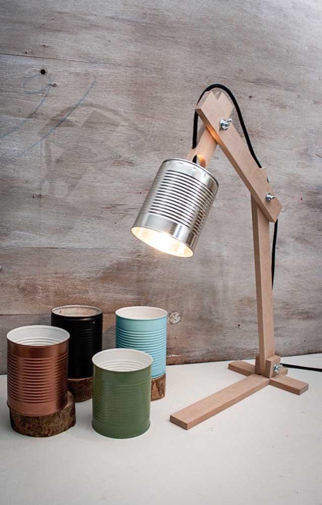 Já pensou em artesanato para vender na faculdade? Essa luminária é uma ótima ideia.