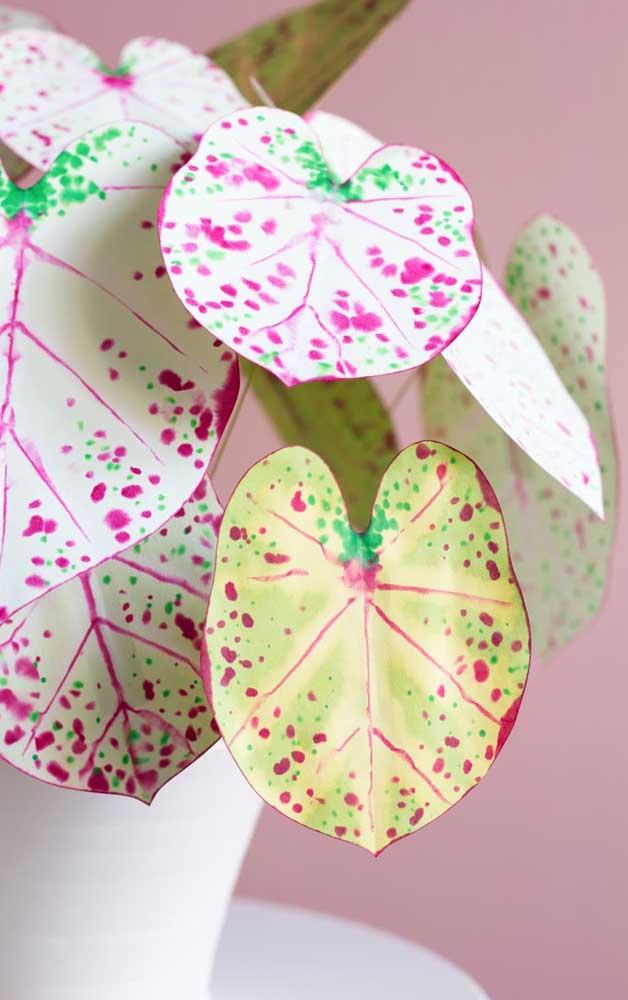 Folhas artificiais para decorar os ambientes.