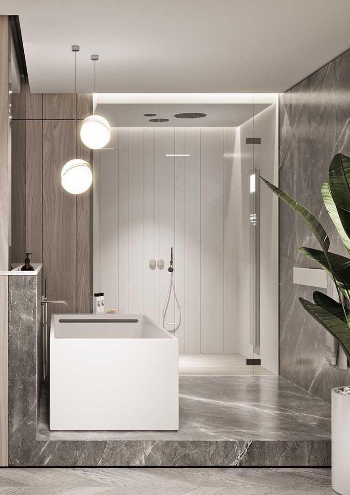 Que tal fazer uma banheiro de luxo cinza e branco?