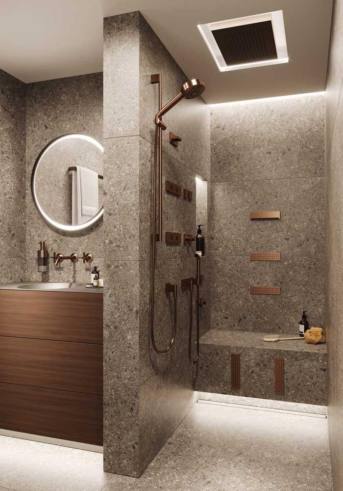 Mas se preferir, aposte em um banheiro de luxo decorado.