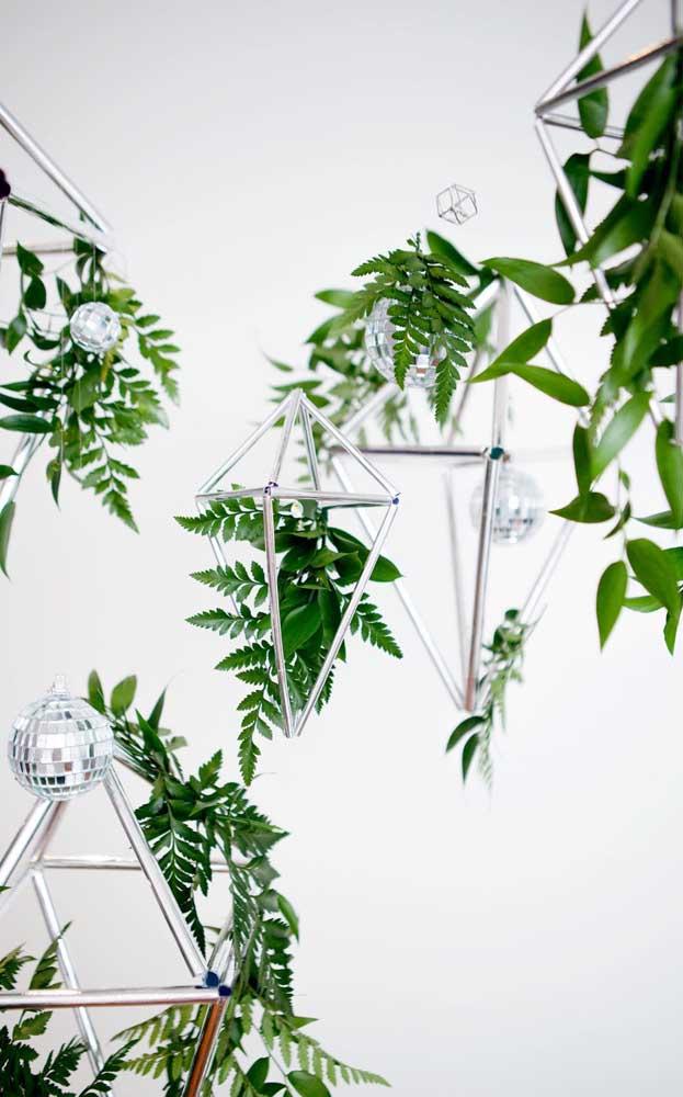 Decoração verde e viva para a festa de bodas de prata