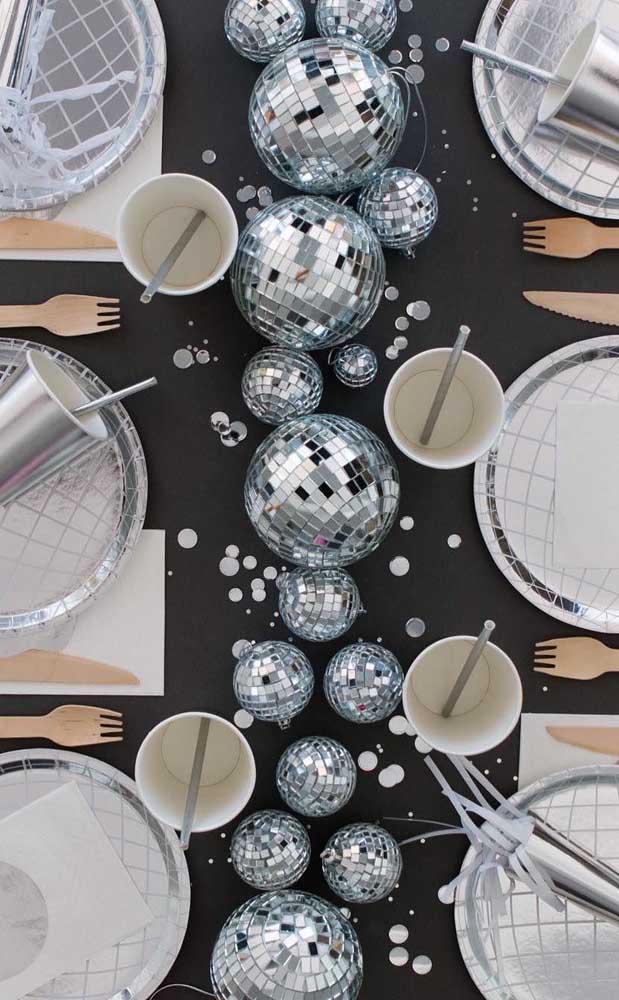 Festa de bodas de prata com cara de discoteca