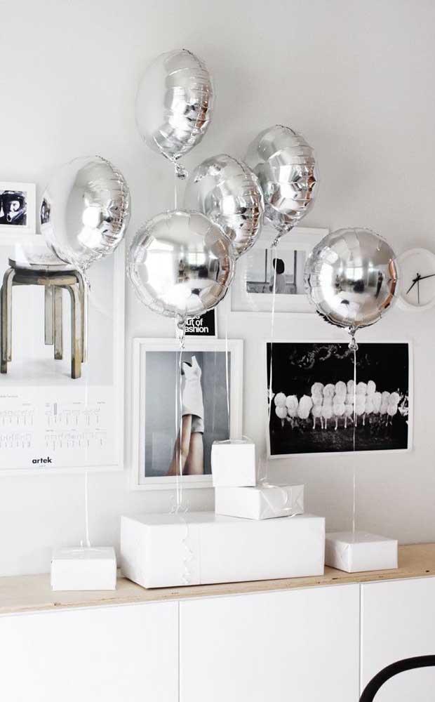 Balões prata, só isso!