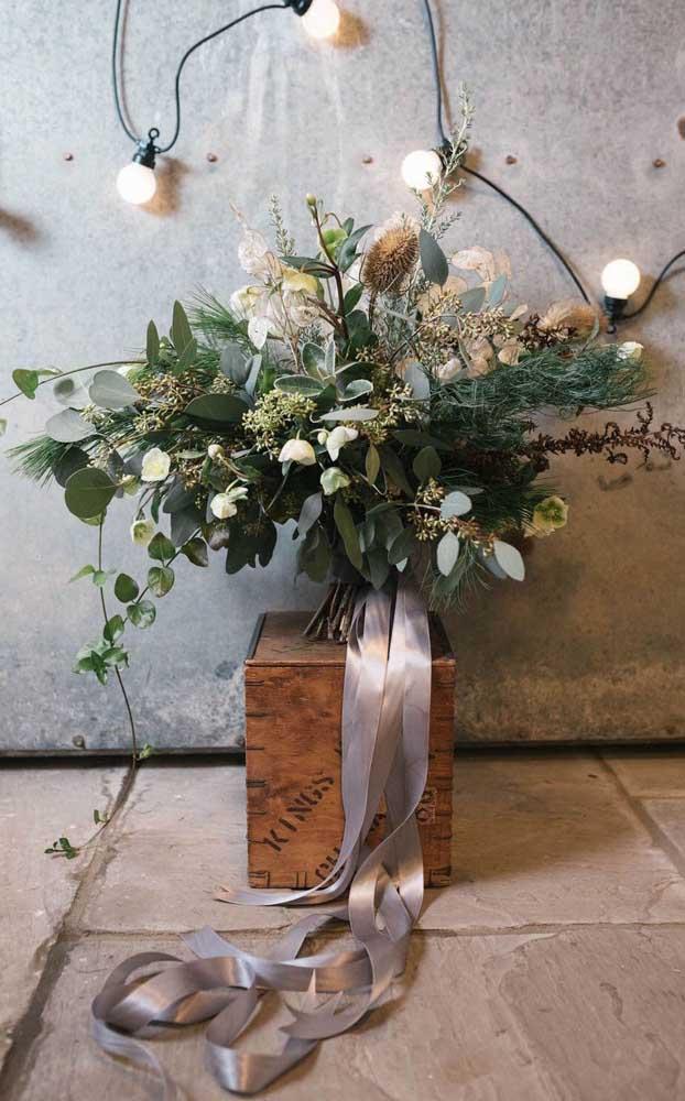 Arranjo rústico e descontraído para a decoração de bodas de prata
