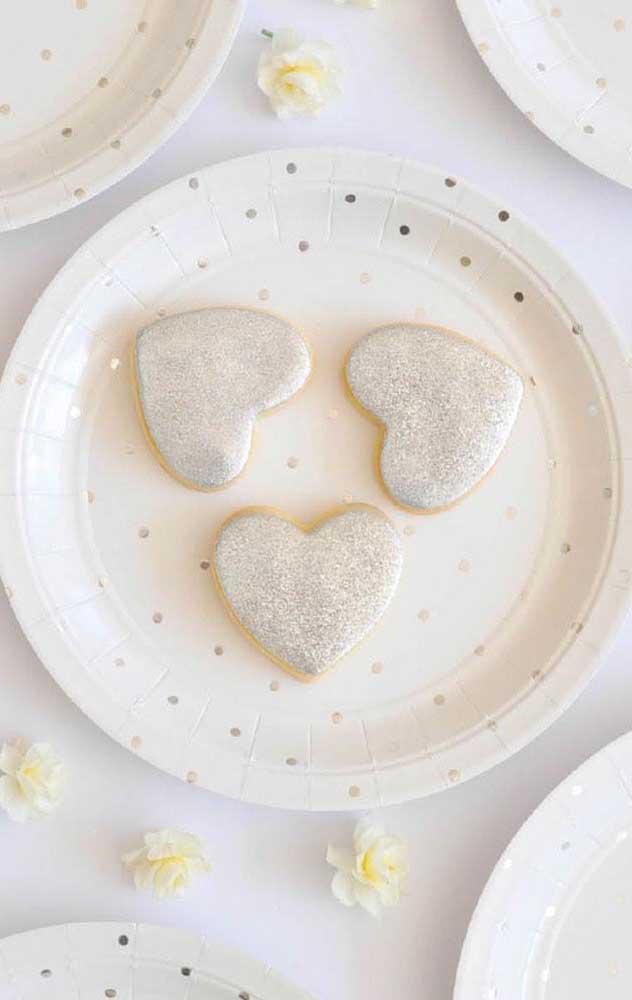 Biscoitinhos em formato de coração, muito fofo!