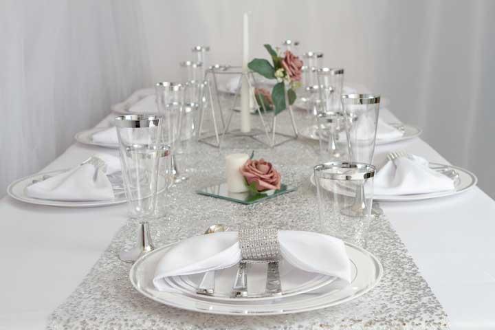 Elegância e estilo em branco e prata