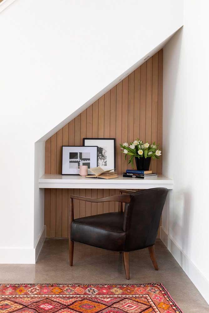Que tal escolher uma cadeira estilo poltrona para seu escritório?