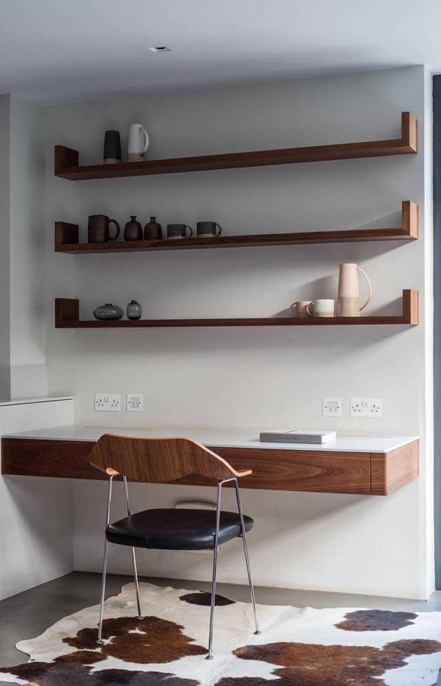 Para o quarto você pode apostar em cadeiras com materiais diferentes.