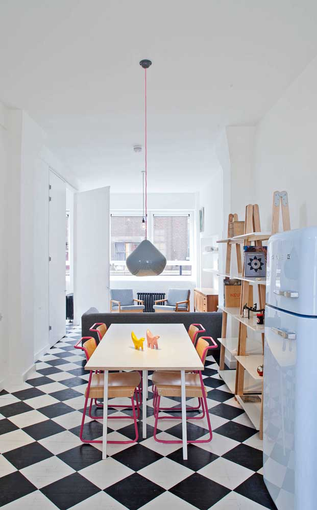Para cozinha é possível escolher modelos mais simples de cadeiras.