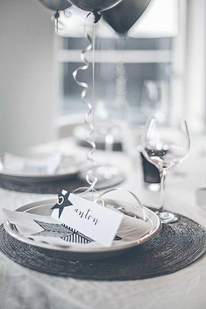Na ceia de ano novo capriche nos detalhes da decoração para fazer um momento todo especial.