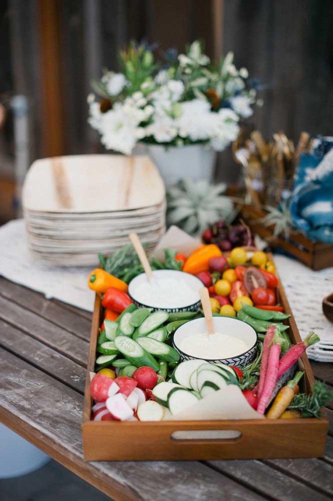 A salada para ceia de ano novo é uma boa opção para seus convidados.