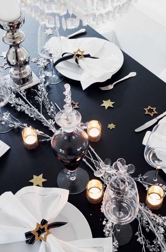 A cor preta dá um toque todo especial para a ceia de ano novo.