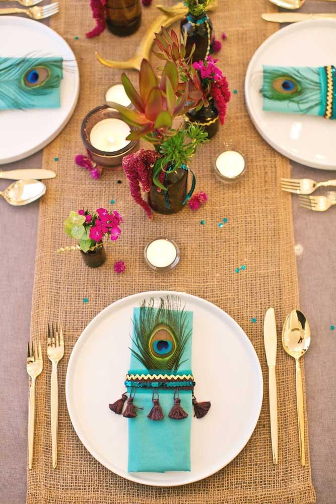 Prepare uma decoração para a mesa da ceia de ano novo que seja a sua cara.