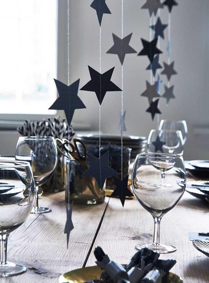 Faça uma ceia de ano novo simples e barata para comemorar o momento com a sua família.