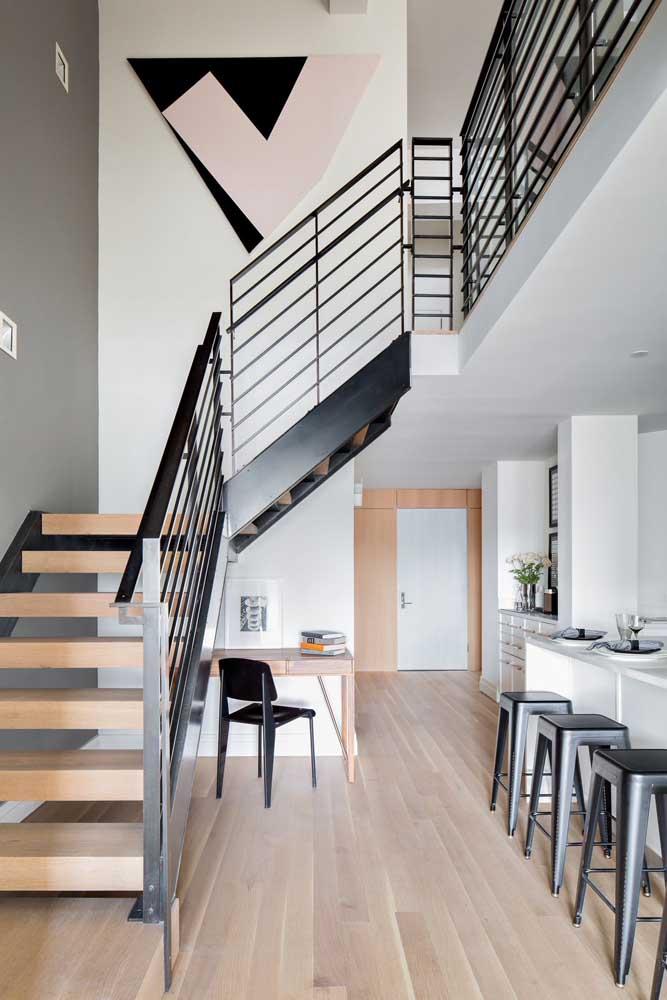O que acha de estudar embaixo da escada?