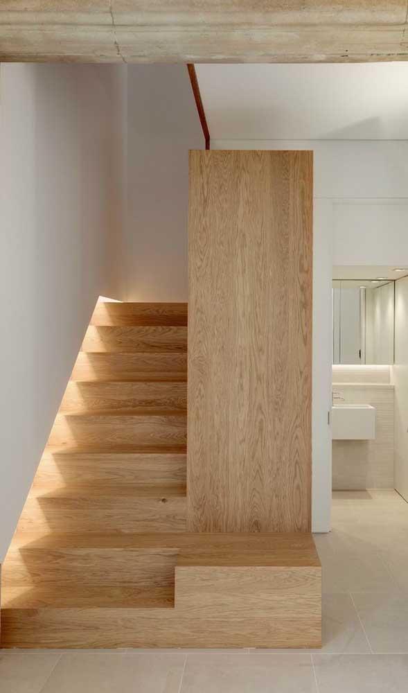 Quer uma escada mais segura para sua casa? Escolha esse modelo!