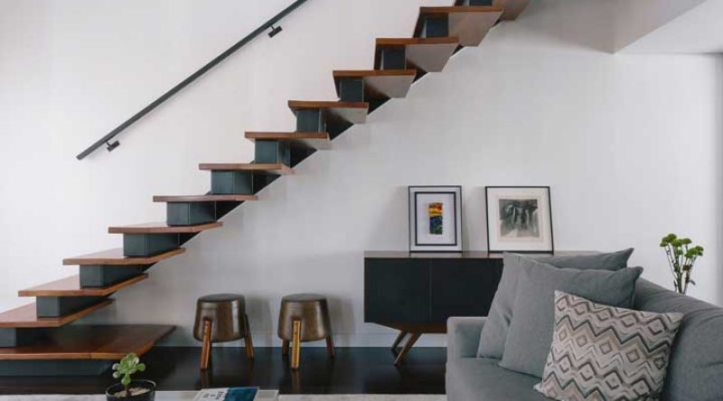 Escada de madeira: vantagens, desvantagens, tipos e fotos