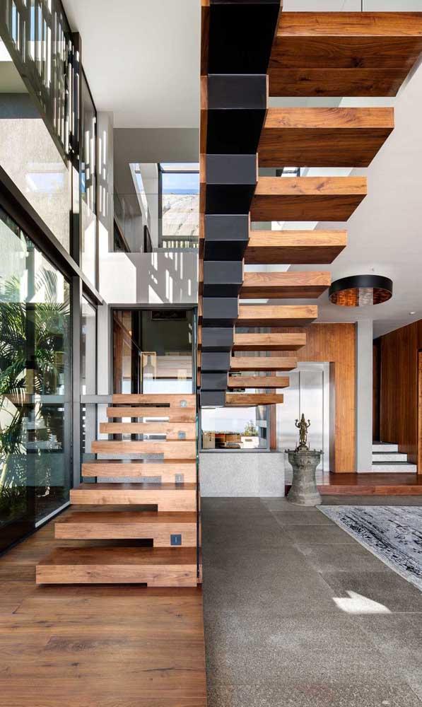 Veja que escada de madeira para sala mais linda e sofisticada.