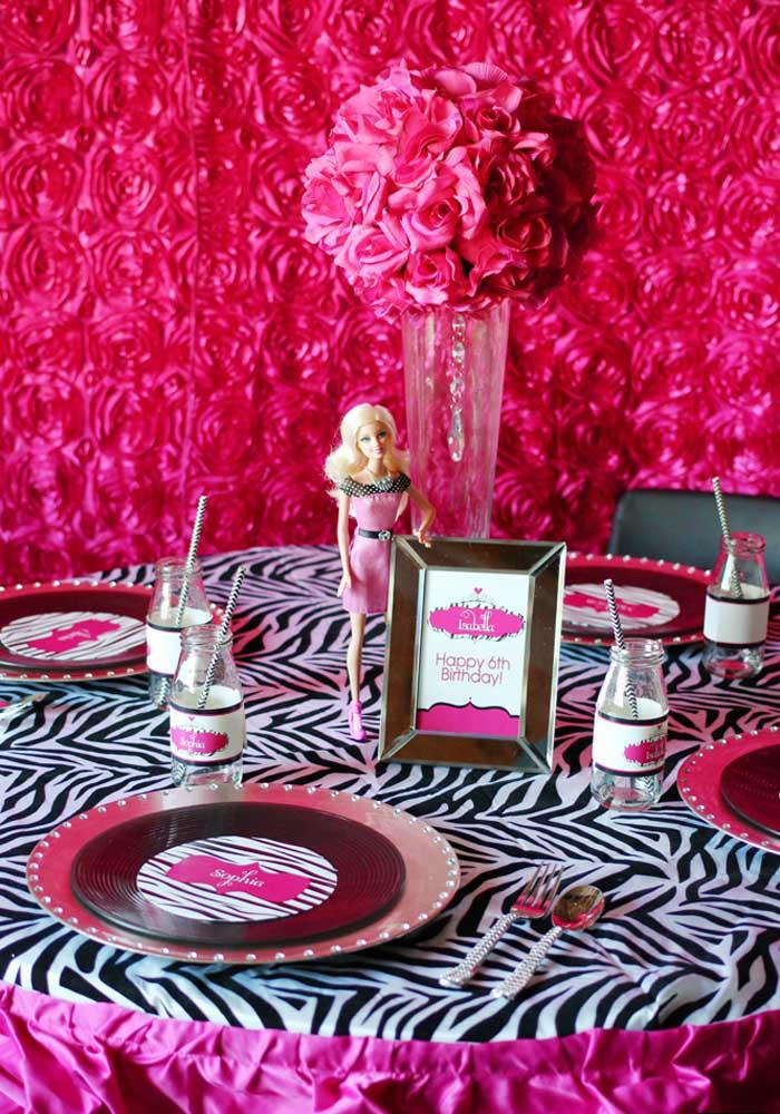 Com os elementos decorativos corretos você consegue fazer uma bela festa Barbie.