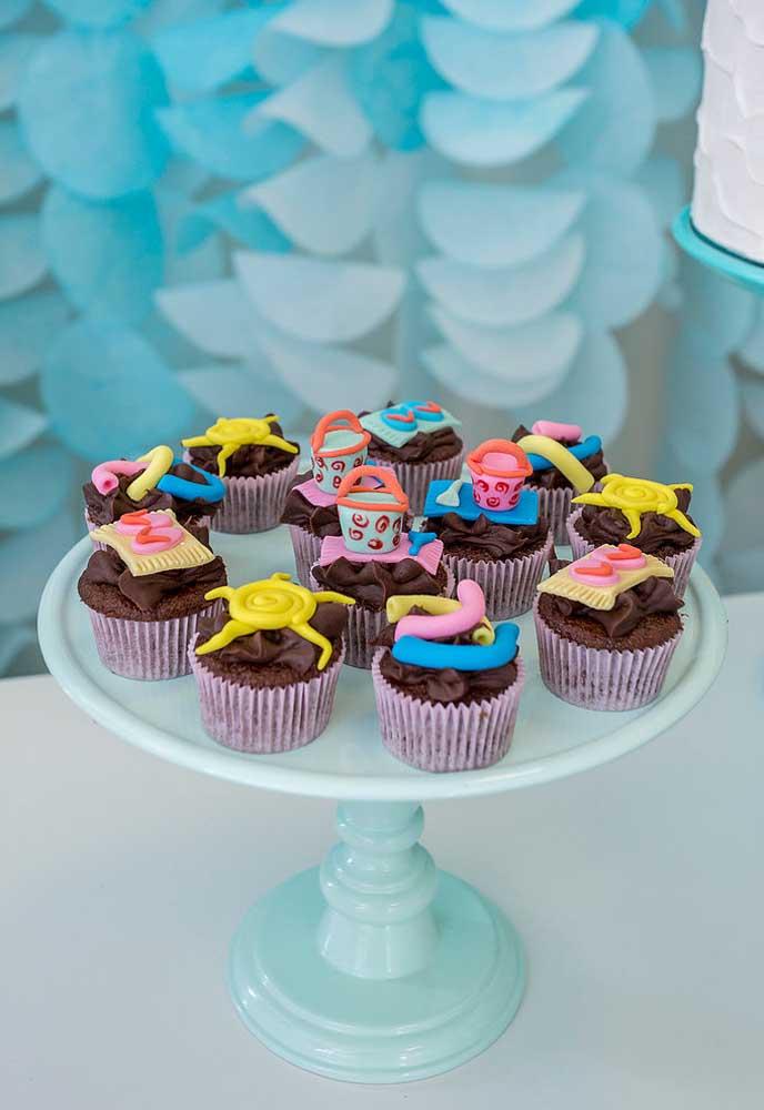Mais uma opção de cobertura para colocar no cupcake da festa na piscina.